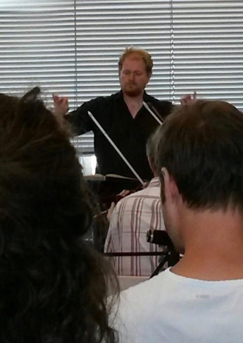 Actiefoto dirigent Jeroen Spitteler